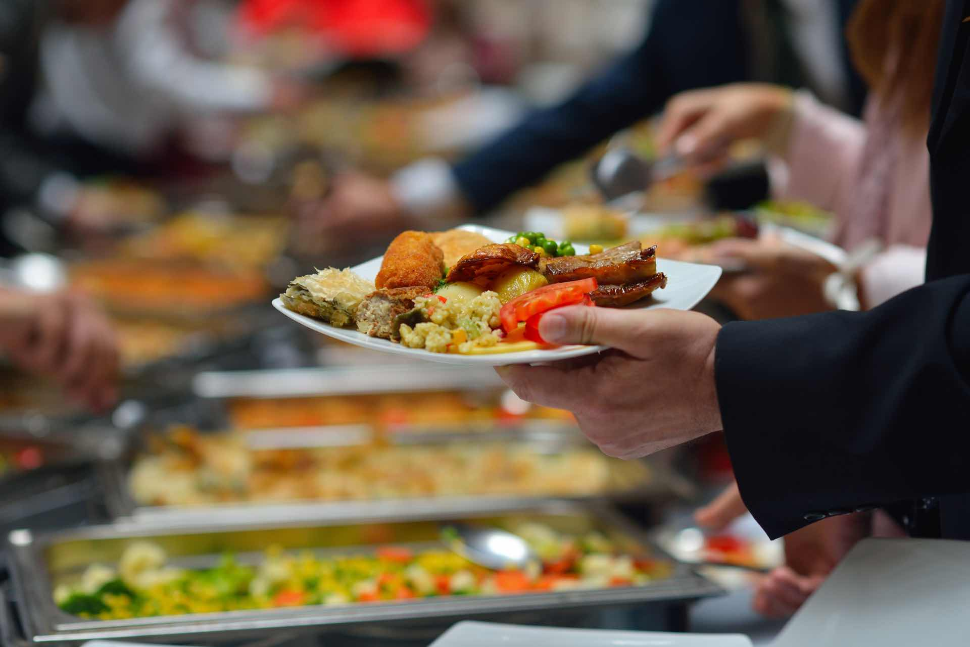 6 Fehler beim Mittagessen, die du vermeiden solltest