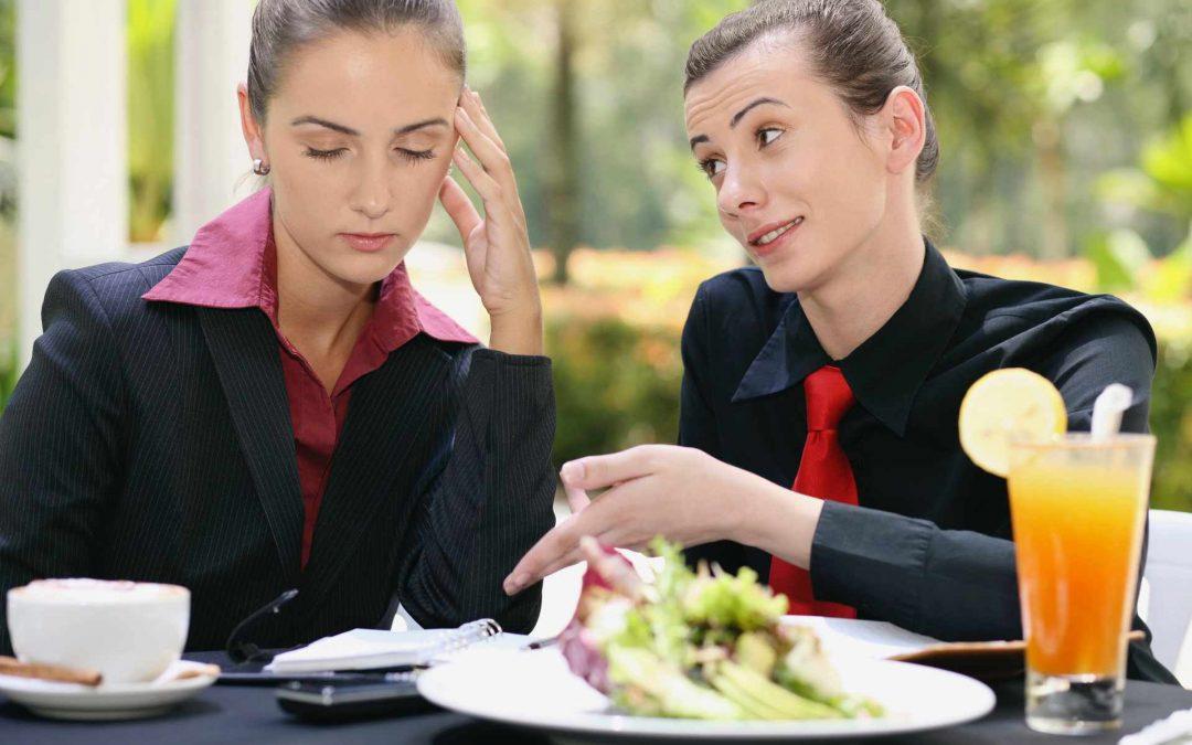 Stress-Essen: Warum Stress dich zum Mehr-Essen bringen kann und wie du dies stoppen kannst